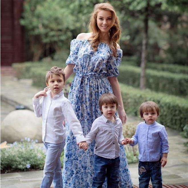 Полина Диброва с сыновьями