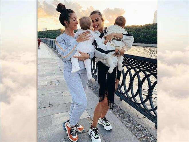 Нюша и Ханна вместе с дочками