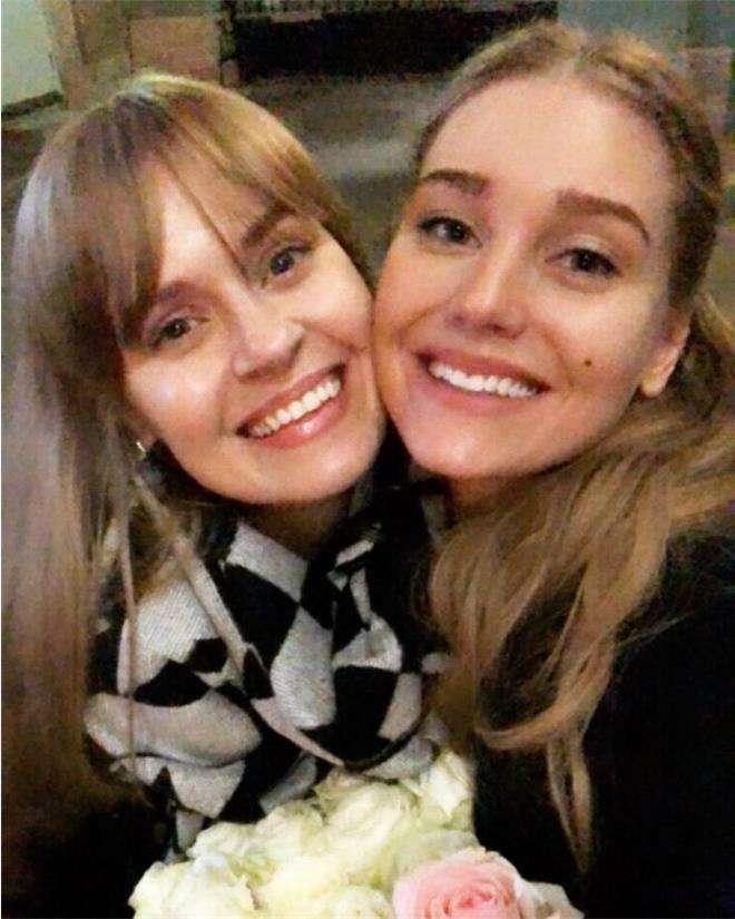 Кристина Асмус со своей кузиной