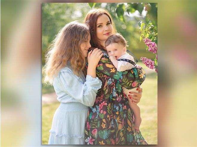 Екатерина Вуличенко с детьми