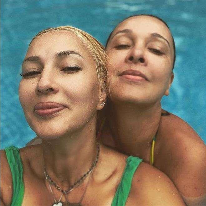 Лера Кудрявцева с сестрой