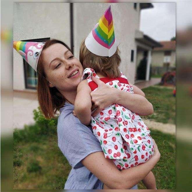 Юлия Савичева с дочкой