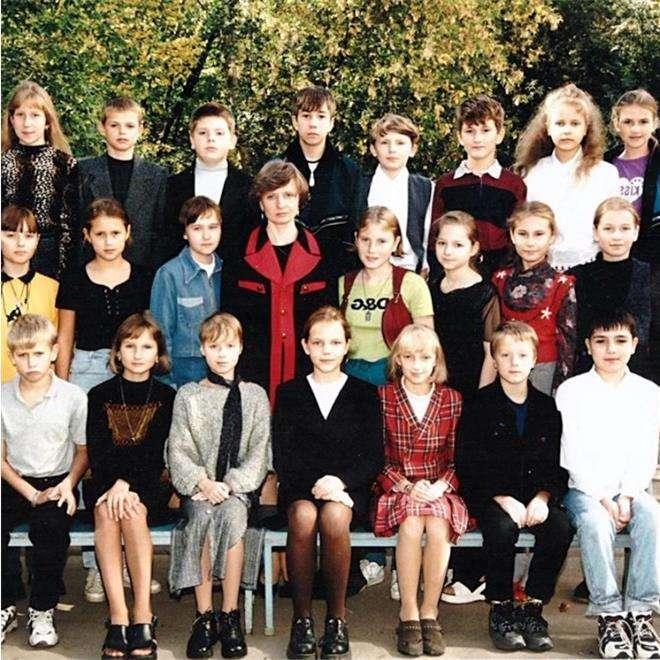 Юлия Савичева и Дмитрий Тарасов в школе