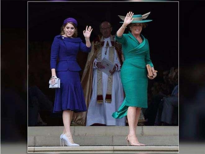 Принцесса Беатрис и Сара Фергюсон на свадьбе принцессы Евгении
