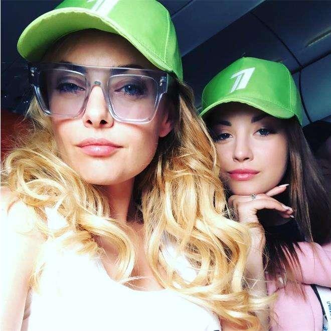 Певица Елена Максимова с дочкой Дианой