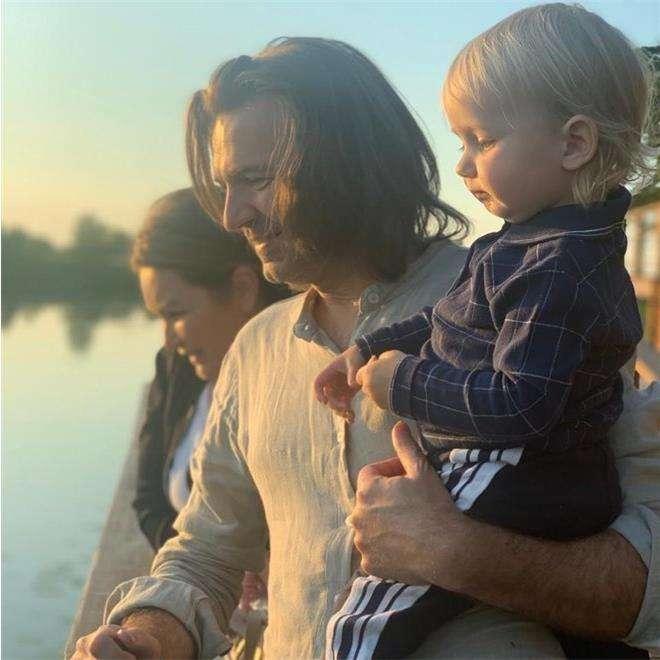 Дмитрий Маликов с сыном и женой