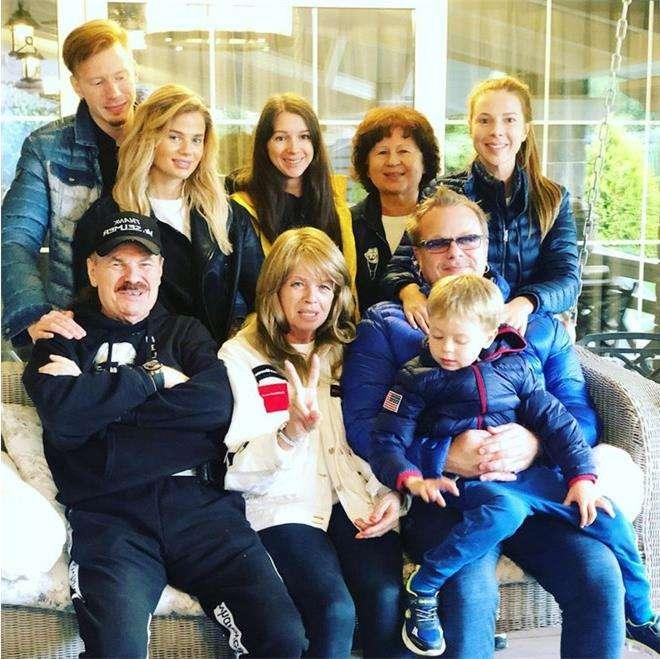 Наталья Подольская и семья