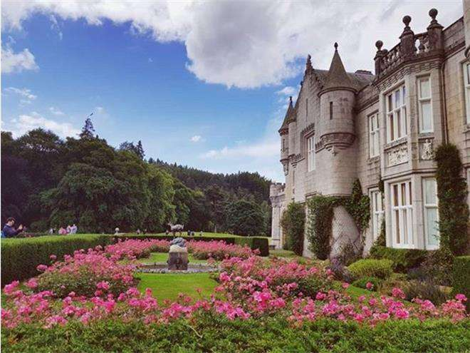 Замок Балморал, принадлежащий королеве Елизавете II