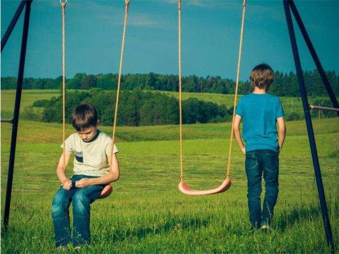 Безопасно ли отпускать ребенка с папой на прогулку?