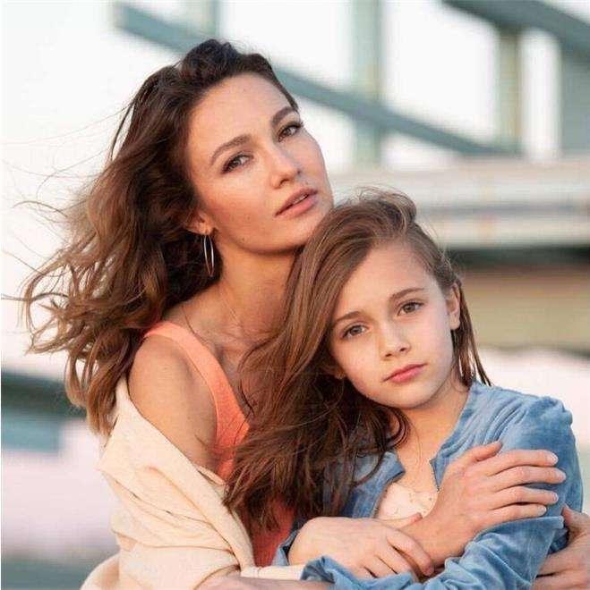 Евгения Брик с дочерью