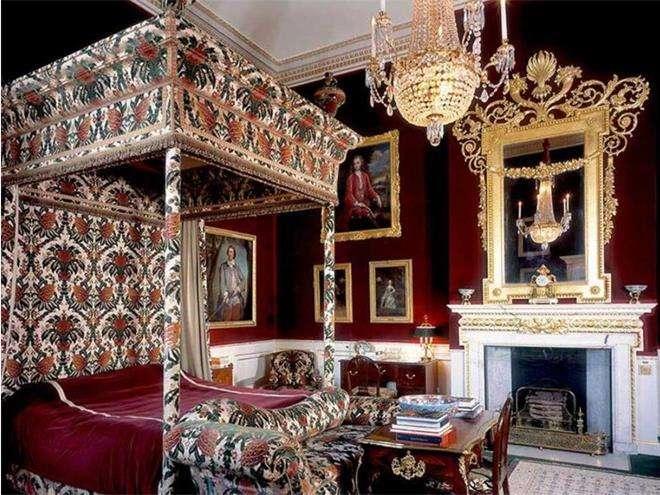 Спальня принцессы Дианы в замке Элторн