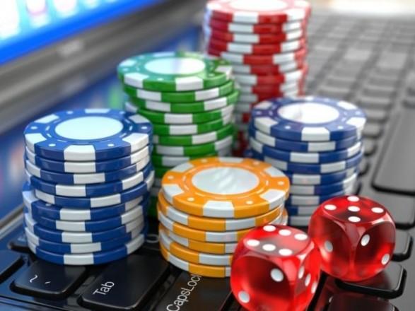 преимущества игры в онлайн казино Космолот